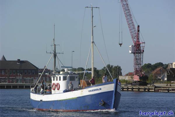 Græsholm. Græsholm ankommer til Korsør med passage